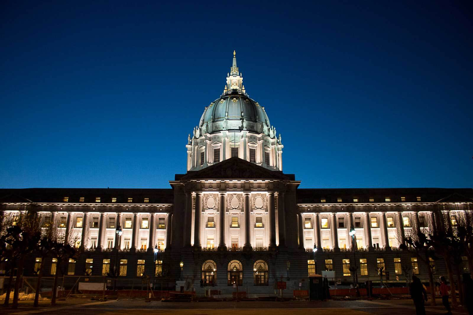 San_Francisco_City_Hall_EveningR