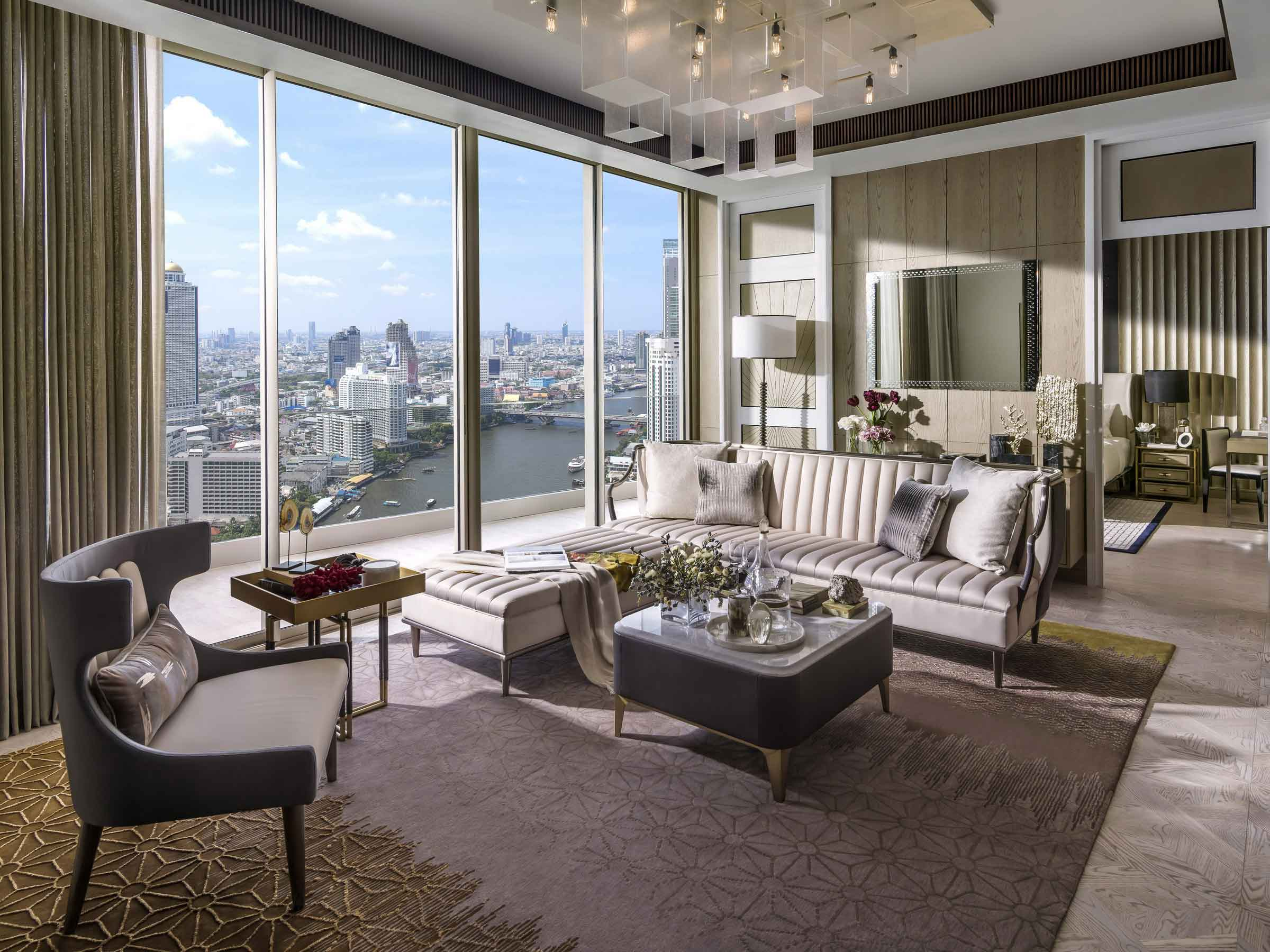 living-area-with-chandelier_Hires_R